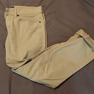 Quarterlength pants